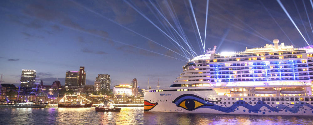 TAUFE AIDAprima 07.05.2016 bei dem 827. Hamburger Hafengeburtstag / Bildquelle: AIDA Cruises /JanSchugart