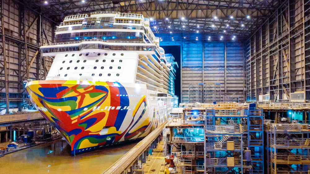 Norwegian Encore ausgedockt - Bildquelle: NCL Corporation Ltd.
