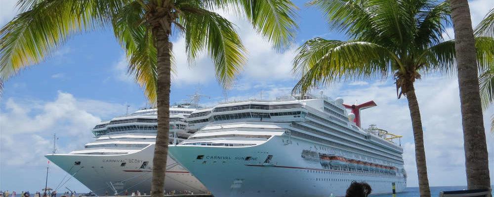 Zwei Carnival-Schiffe auf den Bahamas - Bildquelle: Pixabay