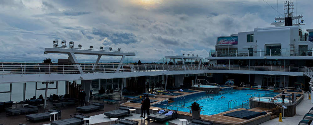 Düsteres Wetter auf der Mein Schiff Flotte - Bildquelle: Cruisify.de
