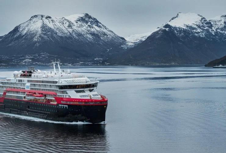Hurtigruten - MS Fridtjof Nansen - Bildquelle: Hurtigruten