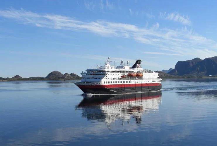 Hurtigruten - MS Nordkapp - Bildquelle: Hurtigruten