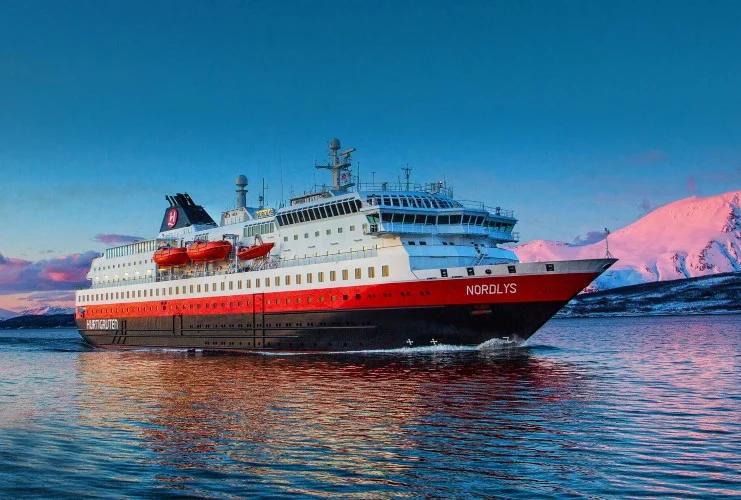 Hurtigruten - MS Nordlys - Bildquelle: Hurtigruten