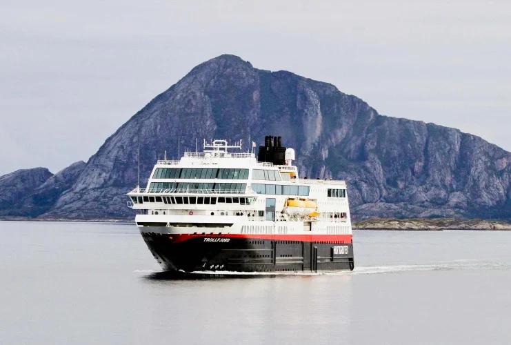 Hurtigruten - MS Trollfjord - Bildquelle: Hurtigruten