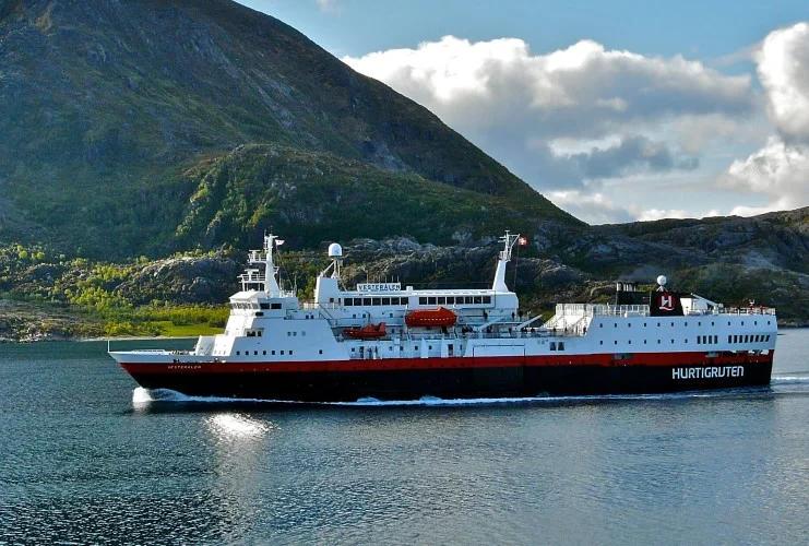 Hurtigruten - MS Vesteralen - Bildquelle: Hurtigruten