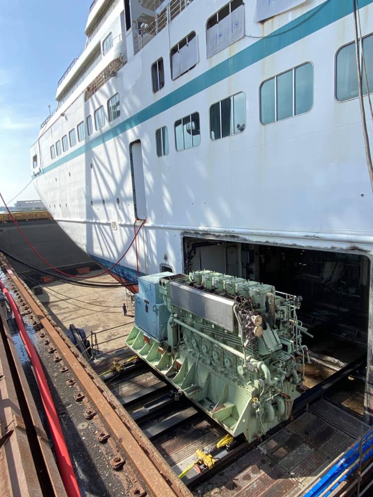 MS Amadea in der Werft - Bildquelle: Phoenix Reisen