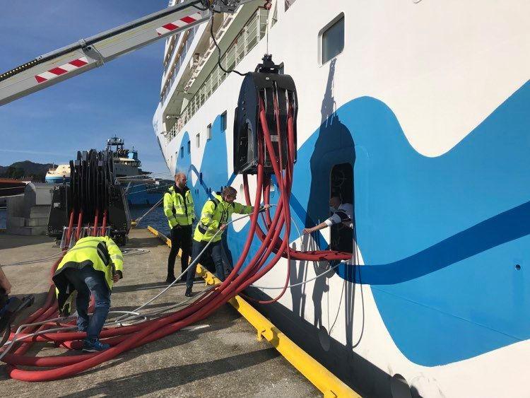 AIDAmar testet Landstrom in Bergen - Bildquelle: AIDA Cruises